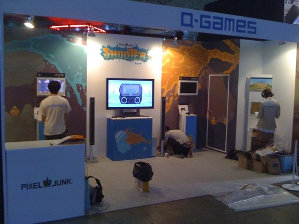 pixeljunk-tgs-booth-real