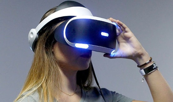 Sony's Testing New PS VR Livestreaming and Mixed Reality Features