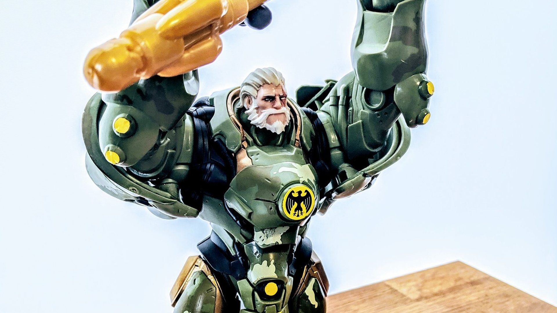 Overwatch figures Reinhardt bundeswehr sdcc 2019 exclusive 4